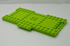 %18922 ブロック[黄緑]8x16(プレート1x4付)
