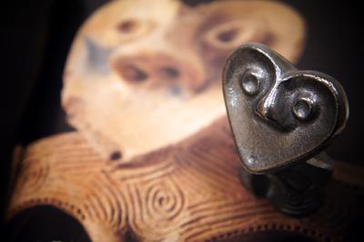 南部鉄偶 ハート♡ 縄文グッズ 愛らしい表情になごみます♪