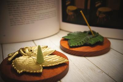 南部鉄 香立 ぶどう葉 美しいリーフの小物でお部屋に彩りを♪ 岩手水沢