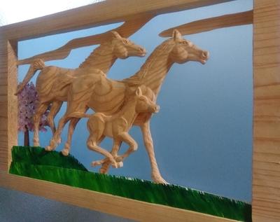壁掛け ~草原を駆ける馬の親子~