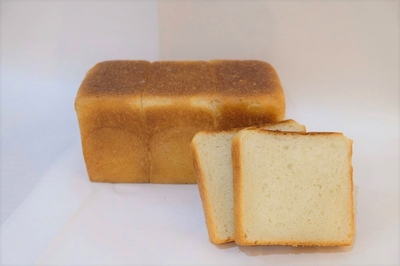 ミニ角食パン(甘酒生地)     ハーフサイズ※写真は1本です