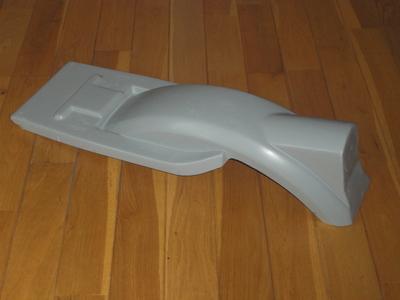 LM1ファーストタイプ・FRPリアフェンダー(レプリカ)