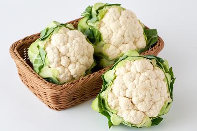 【期間商品】たっぷりの有機質肥料で育てたカリフラワー白 2個