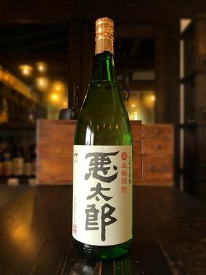 悪太郎 白麹 芋焼酎 25度 1800ml