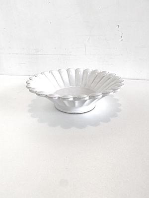 瀬川辰馬 錫白釉輪花鉢