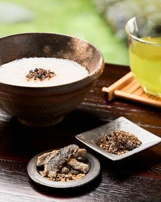 松壽(しょうじゅ/大徳寺納豆入つくだ煮)とおかゆ