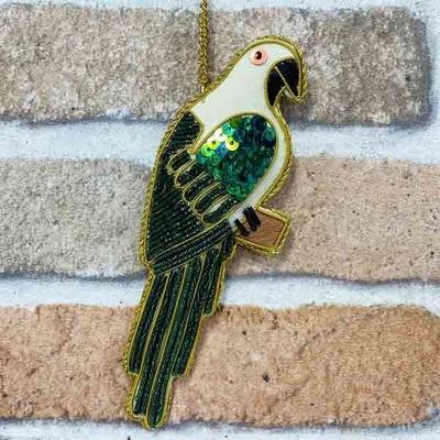 オウムグリーン ザリ刺繡キーホルダー