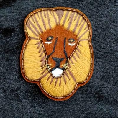 ライオン ザリ刺繡ブローチ