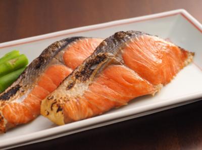 紅鮭塩糀漬(2切れ真空×4P)