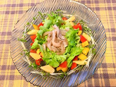ひらおのいかの塩辛レシピアレンジ「彩り野菜達と塩辛 ~オリーブオイルで~」