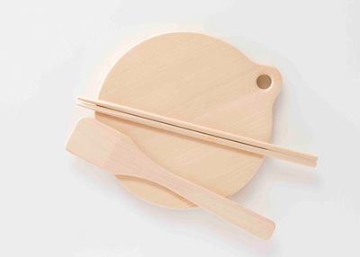 ㈱内田木工 ヒバの円形カッティングボード スギお菜ばし スギ料理ベラセット【0021023】