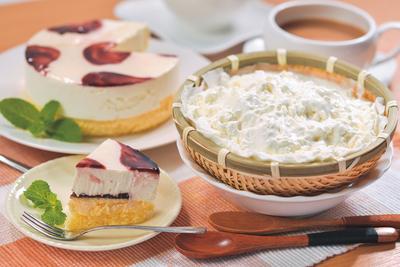 お菓子の沢菊 山ぶどうWチーズケーキ&ふわっときらら 【0014406】