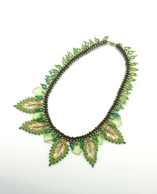葉っぱのネックレス