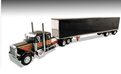Flattop Transport LLC Peterbilt 379 Tractor with Chrome Dry Van Trailer