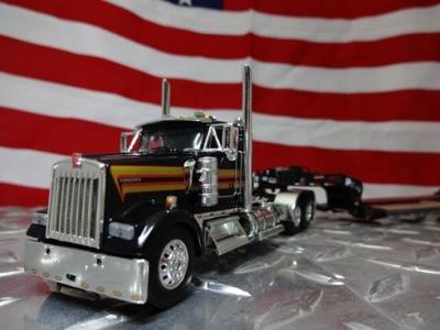 Owner Operator KW W900L w/ Lowboy Black