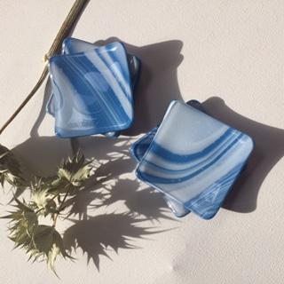 ブルーの小皿(一枚)