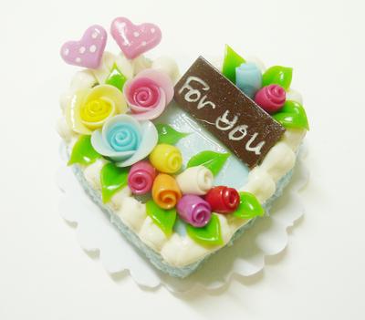【激安・ミニチュア・ネコポス便】ハート型 ケーキ024(ミニチュア雑貨、ミニチュアフード、ミニチュアスイーツ、ホールケーキ)