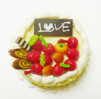 【激安・ミニチュア・ネコポス便】ラウンド型 ケーキ016(ミニチュア雑貨、ミニチュアフード、ミニチュアスイーツ、ホールケーキ)