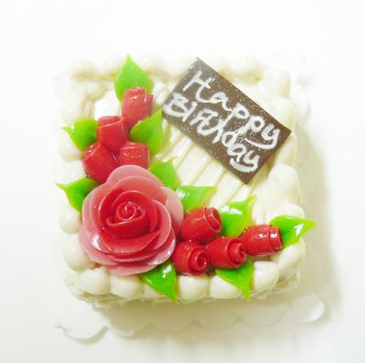 【激安・ミニチュア・ネコポス便】スクウェア型 ケーキ022(ミニチュア雑貨、ミニチュアフード、ミニチュアスイーツ、ホールケーキ)