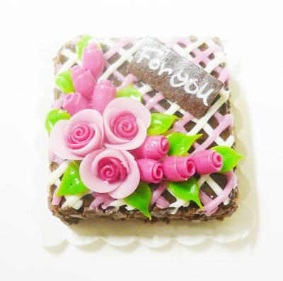 【激安・ミニチュア・ネコポス便】スクウェア型 ケーキ023(ミニチュア雑貨、ミニチュアフード、ミニチュアスイーツ、ホールケーキ)
