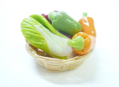 カゴに入った野菜002